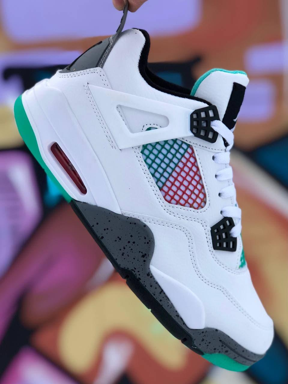 Кроссовки  в стиле N1ke Air Jordan белые 40-44