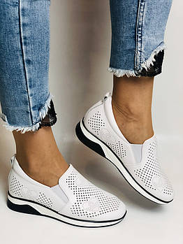 24pfm. Женские летние туфли -кроссовки белые на невысокой платформе. Натуральная кожа. Размер 23.0 23,5
