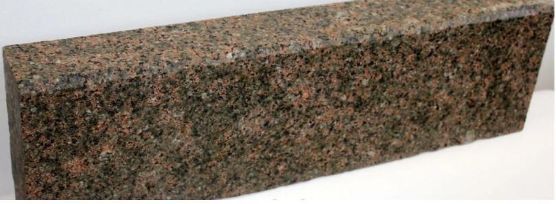 Бордюр з  Василівського граніту