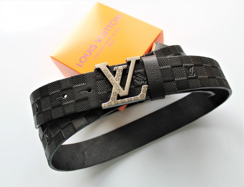 Ремень кожаный с тиснением Louis Vuitton унисекс black