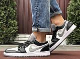 Чоловічі демісезонні кросівки Nike Air Jordan 1 Retro,білі з чорним/сірим, фото 3