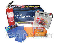 Набір автомобіліста 8 одиниць (трос, жив безоп, аптечка, ав.знак, огнетуш.1кг, рукавички, ганчірка, сумка)