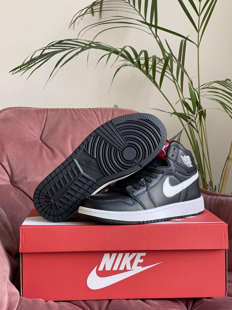 Чоловічі кросівки N!ke Air Jordan 1 High White/Black/Red весна/осінь 41   42   43   44   45