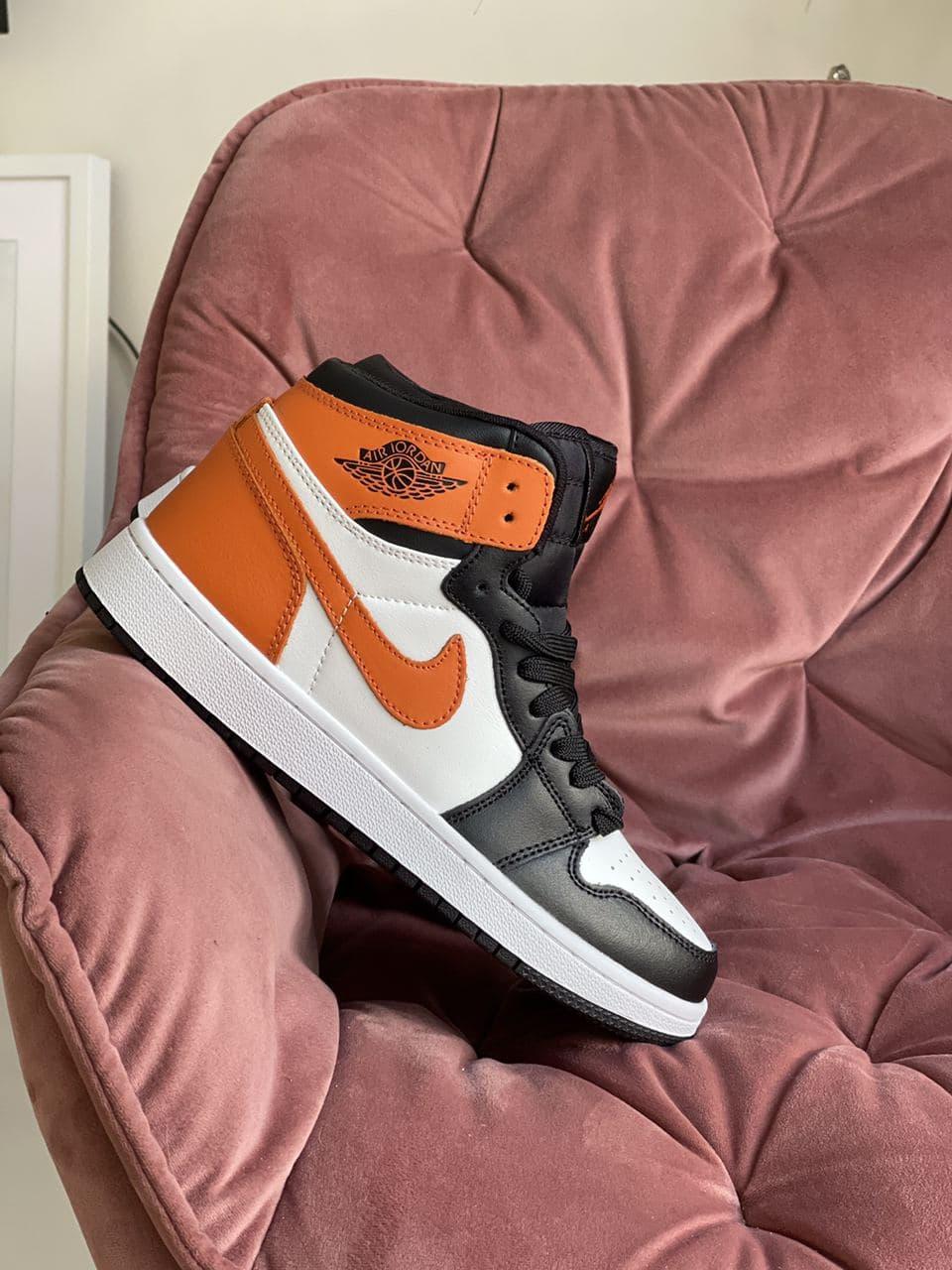 Кроссовки Air Jordan 1 High белые с оранжевым   черные весна/осень  36 37 38 39 40 41