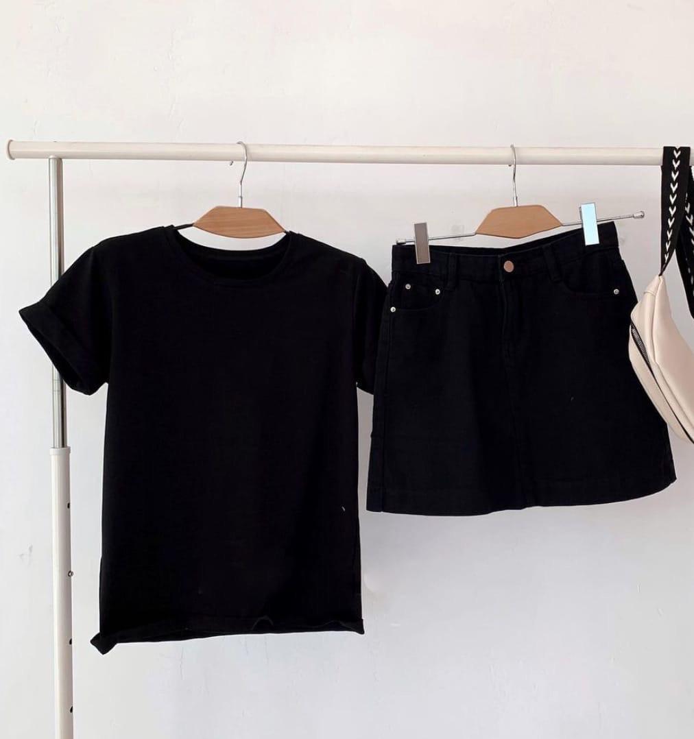 Жіноча базова футболка з натуральної тканини (Батал)