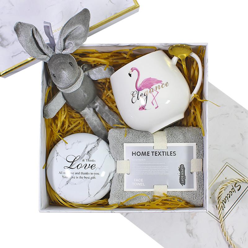 Сувенирный подарочный набор Lesko C5 чашка + полотенце + ложка + игрушка + металлическая коробочка