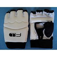 Перчатки для тхэквондо 1733 (защита кисти): размер M, L, XL