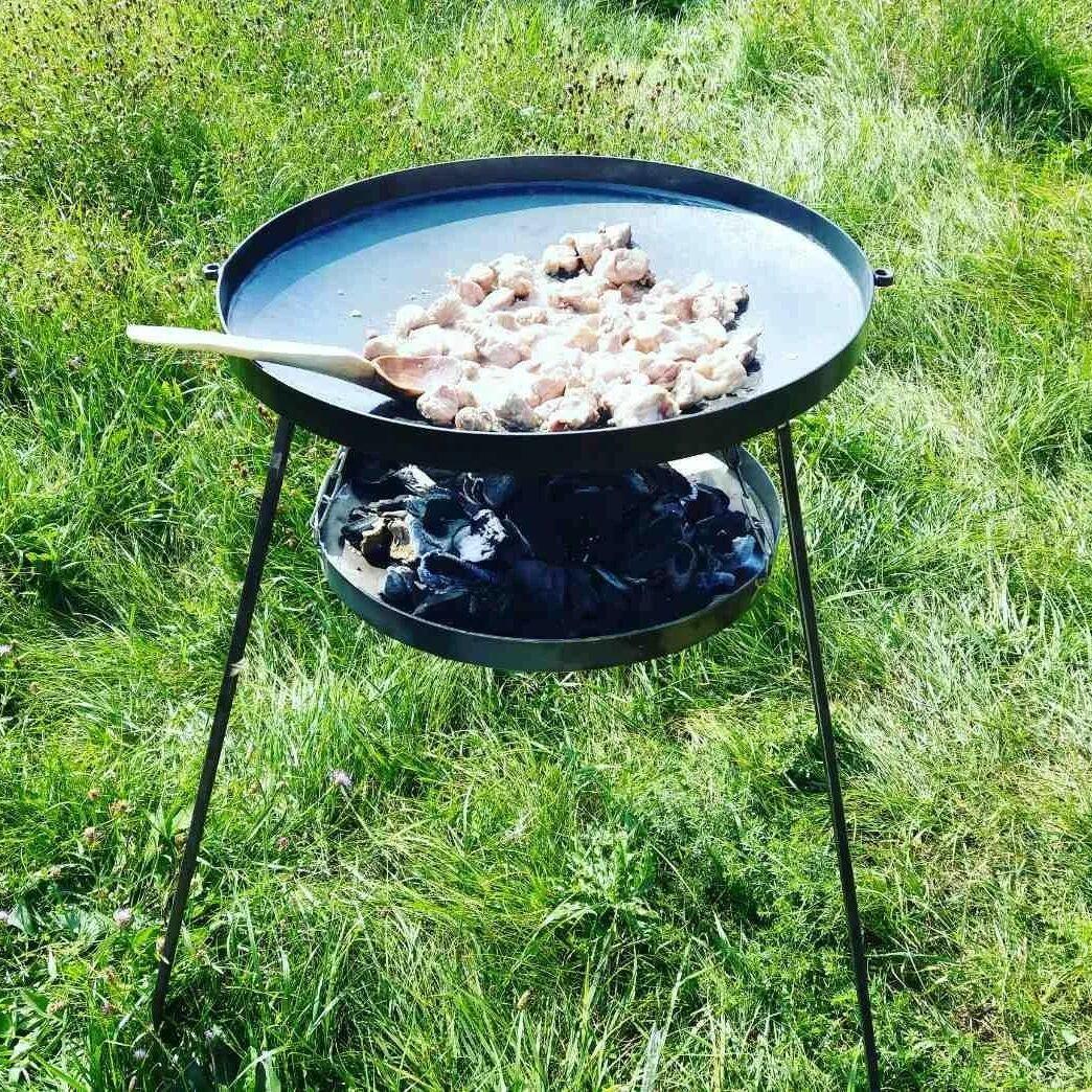 Сковорода из диска бороны 50 см с подставкой для разведения огня (садж)