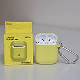 Чехол силиконовый для беспроводных наушников Apple AirPods с карабином Желтый, фото 2