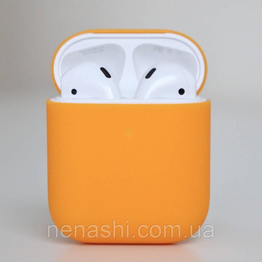 Чохол силіконовий для бездротових навушників Apple AirPods з карабіном Помаранчевий