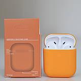 Чохол силіконовий для бездротових навушників Apple AirPods з карабіном Помаранчевий, фото 2