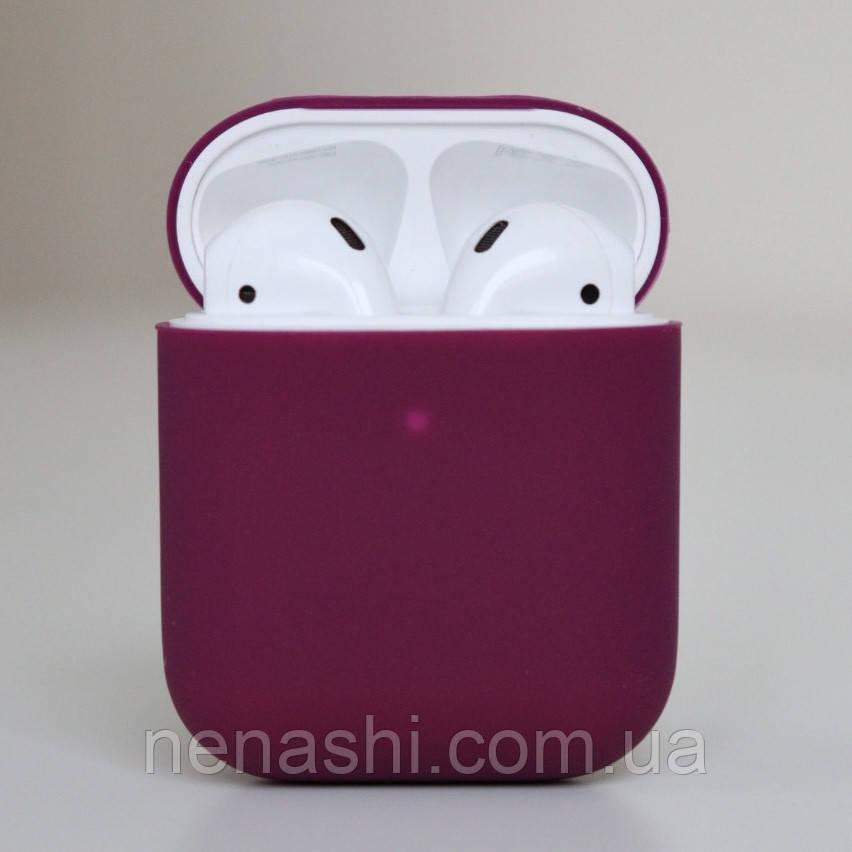 Чехол силиконовый для беспроводных наушников Apple AirPods Темно-фиолетовый