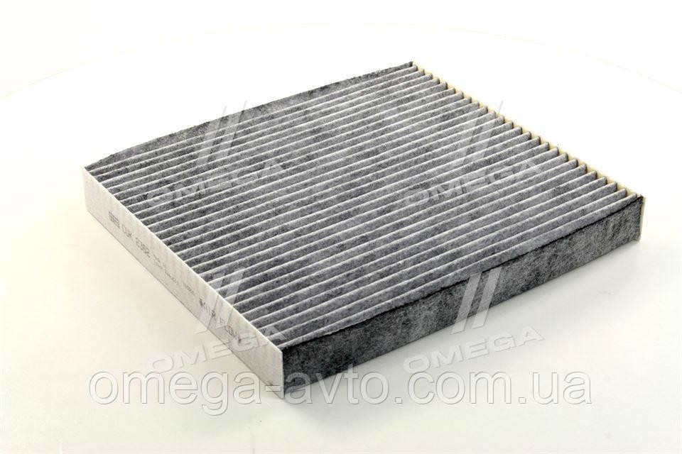 Фільтр салону HYUNDAI SANTA FE 06-, SONATA 05 - вугільний (пр-во MANN) CUK2362