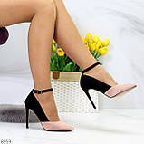 Элегантные черные розовые замшевые туфли на шпильке на ремешке шлейке, фото 4