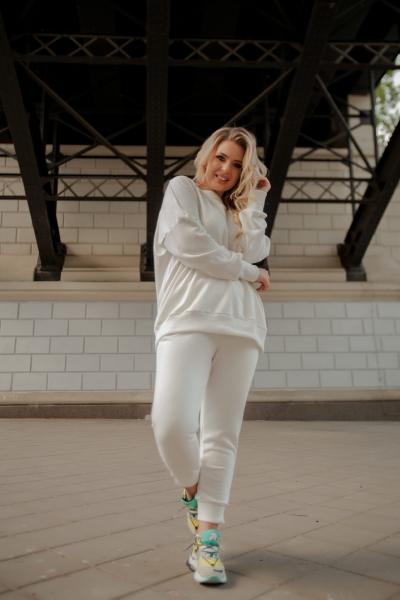 Женский костюм молоко 42-44, 46-48 и 50-52 трикотаж-кашкорсе SKL11-250662