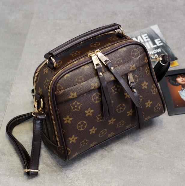 Женская сумочка в стиле Луи Витон