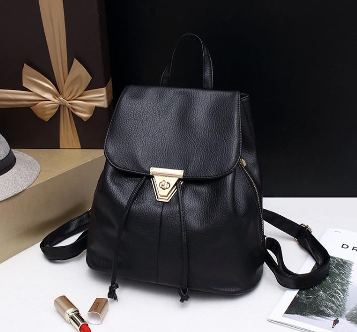 Жіночий міні рюкзак чорний