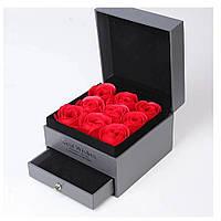 Подарочный набор коробка с алыми розами из мыла