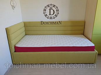 Мягкая кровать для подростка