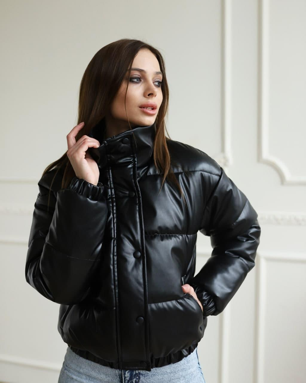 Женская куртка LUNALY Хлоя черного цвета
