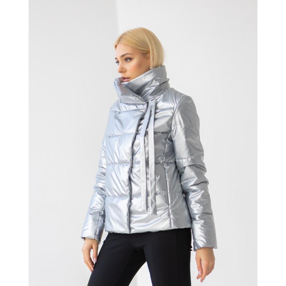 Качественная женская куртка цвета металлик, весна-осень