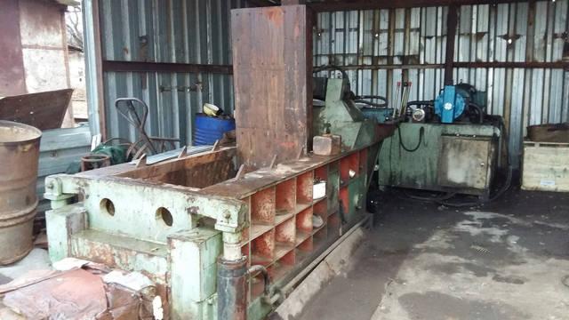 Пресс для пакетирования металлических отходов