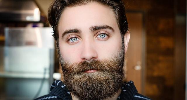 Men beard growth oil