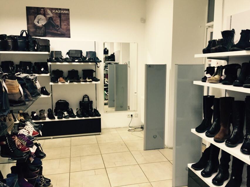Акустомагнитные системы антивор в магазине обуви и аксессуаров Kazimir