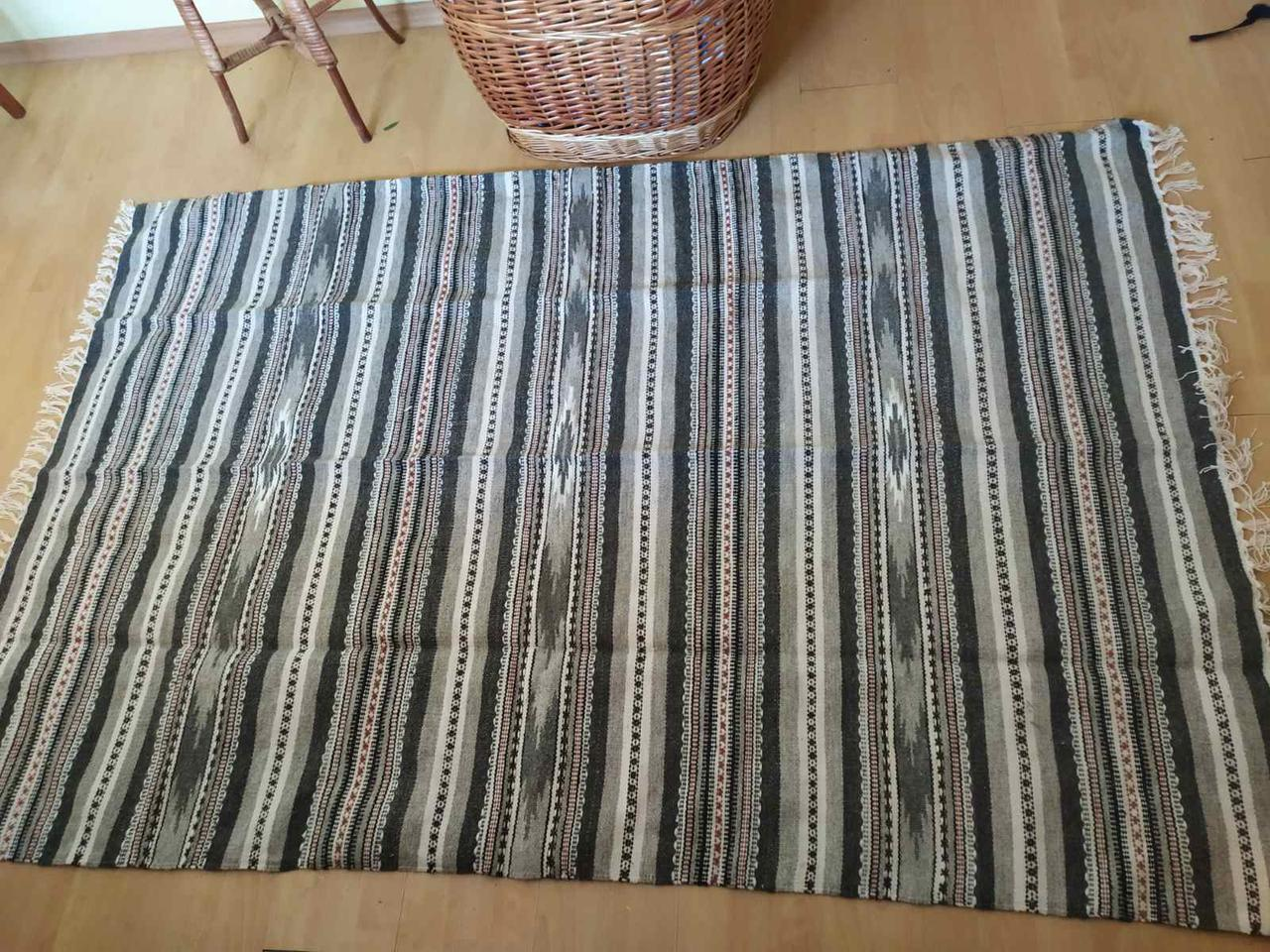 Шерстяний килимок-покривало із шерсті на  диван, ліжко,софу, підлогу ручної роботи