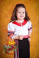 Вышитый украинский костюм для девочки, размер 34