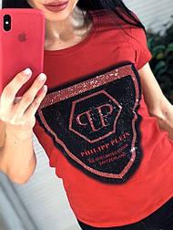 Женская белая, красная и черная стильная футболка с камнями и надписью в стиле (в расцветках)