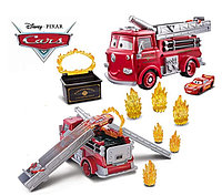 Disney Pixar Cars Stunt & Splash Red GPH80 Mattel Блискавка Маквін Пожежна машина Вогняна пастка змінюй колір