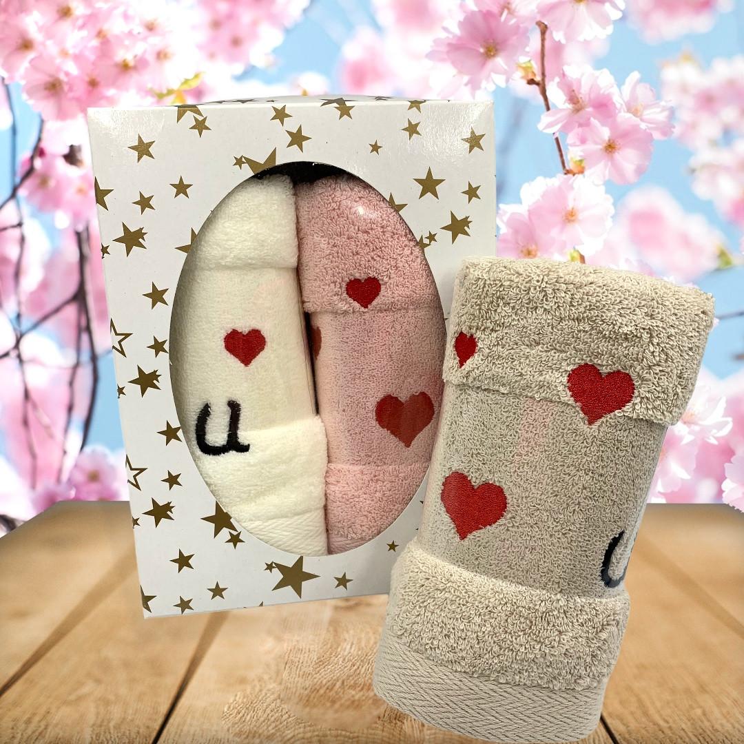 Махровые полотенца «Love is» 35х70 см - 2шт. в подарочной упаковке