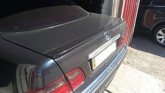 Lip-спойлер на багажник Mercedes W210