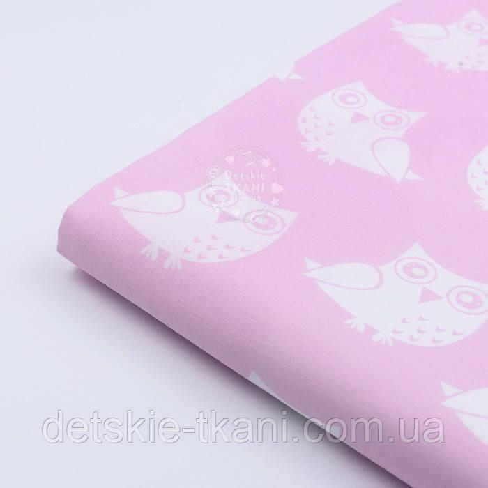 Клапоть тканини №64 рожевого кольору із зображенням білих совушек, розмір 140*15 см