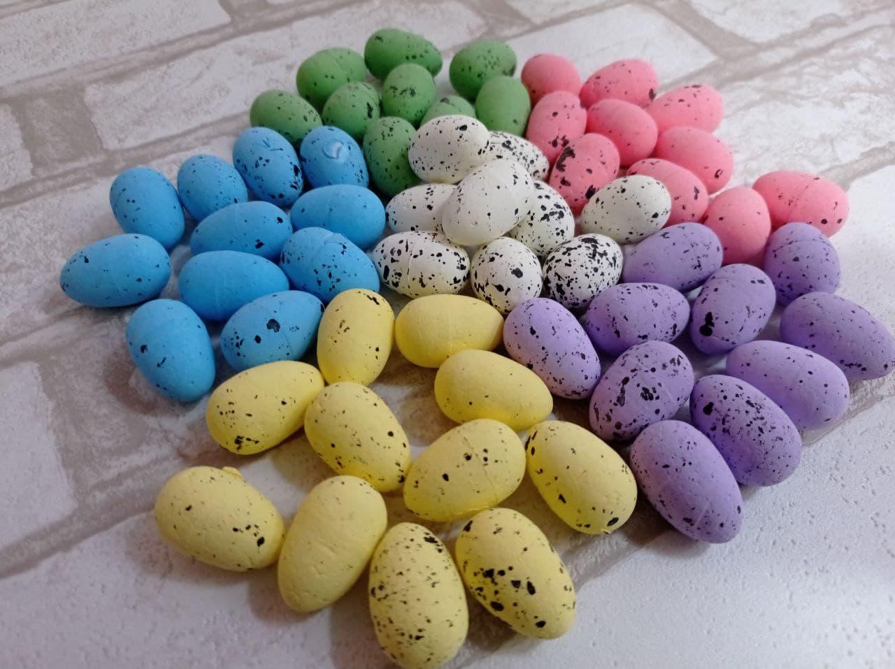 Яйця пінопластові перепелині, для декору. h-3 см, 9шт/уп 20 грн