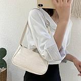 Женская сумочка багет на пластиковой цепочке ремешке рептилия бежевая молочная белая, фото 5
