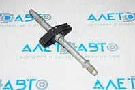 Кріплення запасного колеса Dodge Dart 13-16 6512476AA Додж Дарт