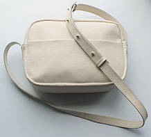 """Жіноча невелика шкіряна сумка """"Quarzo"""" бежева"""