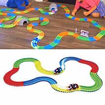 Гоночный трек Magic Tracks 360 деталей - Детский светящийся гибкий автотрек с двумя машинками и мостиком Топ, фото 3