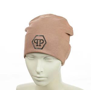 """Жіноча шапка з трендовим патчем """"РР"""" (Капучіно) - молодіжна шапка-лопата з відворотом Топ"""