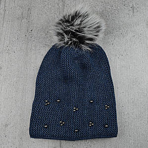 """Жіноча зимова шапка """"Поліна"""" Джинс - шапка на флісі з помпоном і намистинками Топ"""