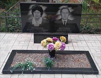 Двойной памятник с одним цветником (Габбро Буки)