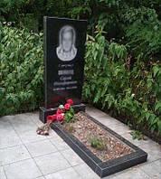 Одинарный памятник с цветником (Габбро Буки) 1