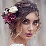 Стоит ли использовать цветы для свадебной прически?