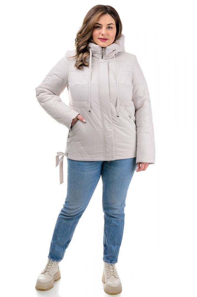 Демисезонная женская куртка белого цвета