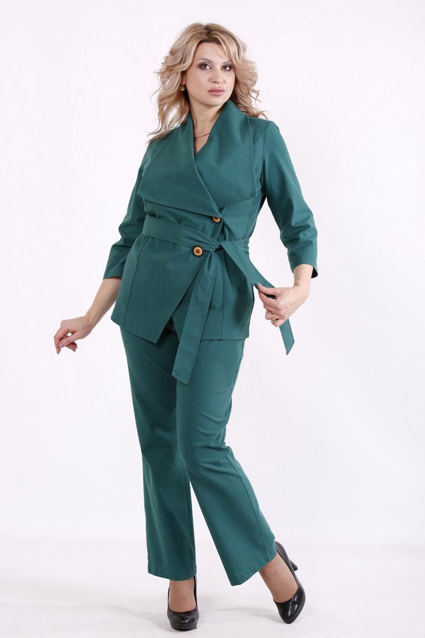 Модный костюм из льна для полных батальный зеленый