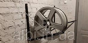 Полка для колес настенная