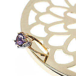 Золоте кільце з аметистом і діамантом