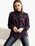 Чорна блузка в квітковому принте з довгим рукавом і коміром стійка, фото 3